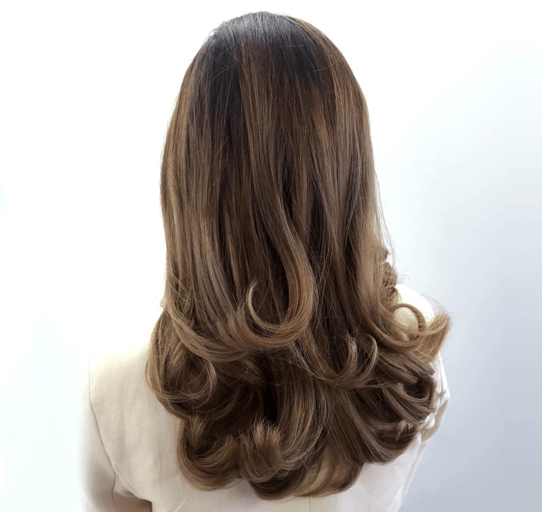 Gefärbte Haare mit der Balayage Strähnentechnik