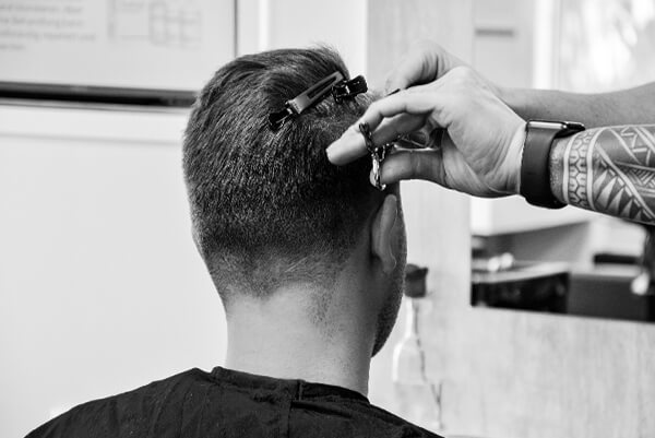 Herren Haarschnitt in guter Qualität aus Essen